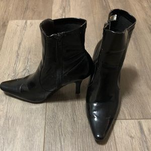 Shoes - Black Mid Height Boots - Size 6